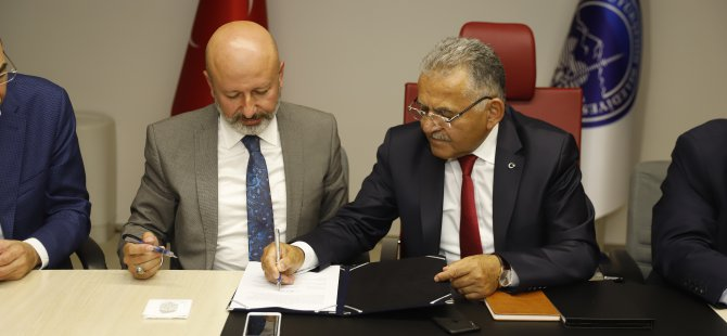 Büyükkılıç, belediye başkanları ve esnaf temsilcileri ile bir toplantı yaptı