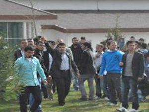 Erciyes Üniversitesi'nde İki Ayrı Gurup Arasında Gerginlik