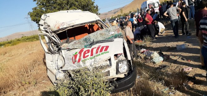 Kayseri'de feci kaza! İşçi servisi ile kamyonet çarpıştı: 18 yaralı