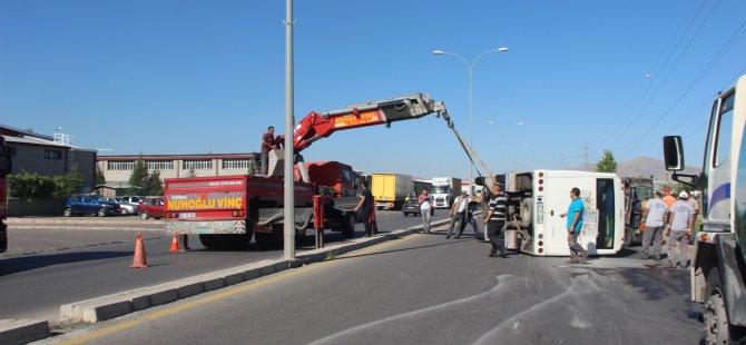 Organize 7.cadde üzerinde işçi servisi ile çarpıştı: 17 yaralı