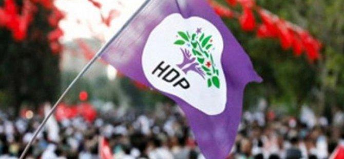 HDP'li belediyeler, Atatürk ve Türk bayrağı resmini kaldırdı