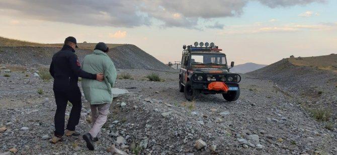Erciyes'te mahsur kalan 2 kişiyi JAK ekipleri kurtardı