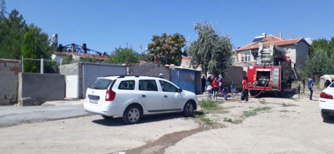 Boztepe mahallesi'nde Müstakil evin çatısı yandı