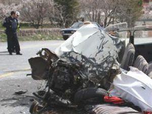 Hacılar'da Mezarlığa dalan otomobil: 1 ölü 18 yaralı