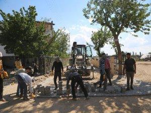 Develi'de on kırsal mahallenin parke ve asfaltlama çalışmaları tamamlandı