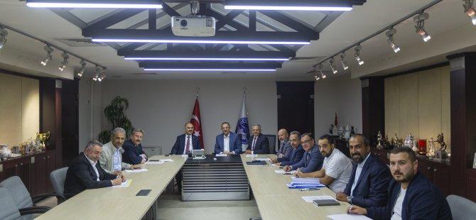 """BÜYÜKKILIÇ'IN EV SAHİPLİĞİNDE """"KAYSERİSPOR"""" ZİRVESİ"""