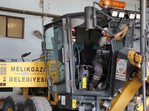 Melikgazi Belediyesi arçalarına kamera sistemi taktı