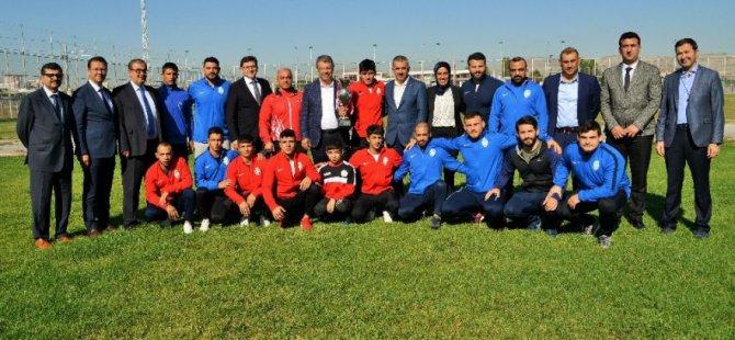 Kayseri Şekerspor Güreş Takımı müzesine bir kupa daha kazandırdı