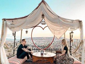 Tavares, izin gününde eşi ile Kapadokya'da stres attı