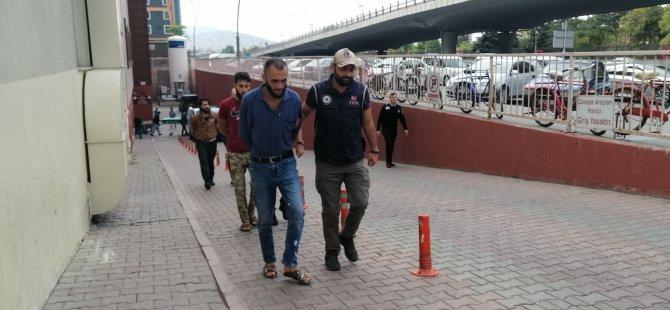 DEAŞ operasyonunda gözaltına alınan 3 kişi adliyeye sevk edildi