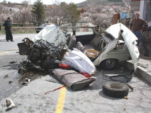 Hacılar'da Trafik Kazası: 1 Ölü 18 Yaralı