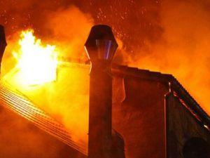 Almanya'da yine Türk binası yandı