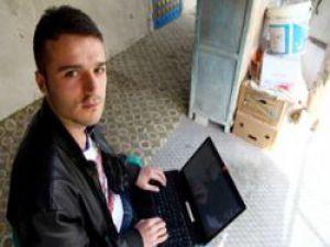 22 Yaşındaki Türk Genci Facebook'u Alt Etti!