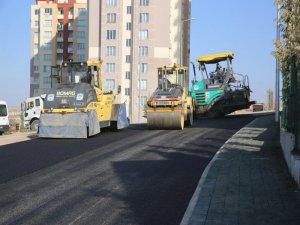 Melikgazi Yeşilyurt mahallesinde asfalt çalışması