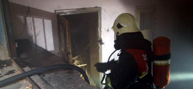 Küçük Mustafa'da kömürlük yangını