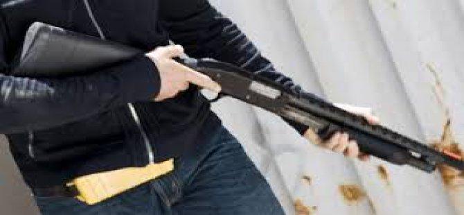Fevziçakmak'ta bir kişi pompalı tüfekle vurularak öldürüldü