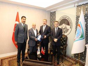 Hak -İş Genel Başkanı'ndan Başkan Palancıoğlu'na hayırlı olsun ziyareti