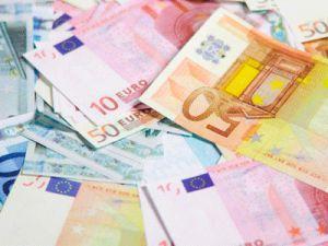 Güvenlik görevlisi çalıştığı bankaya ait 7 milyon euroyu alarak kayıplara karıştı
