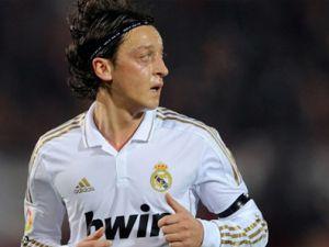 Mesut Özil'den  mesaj!