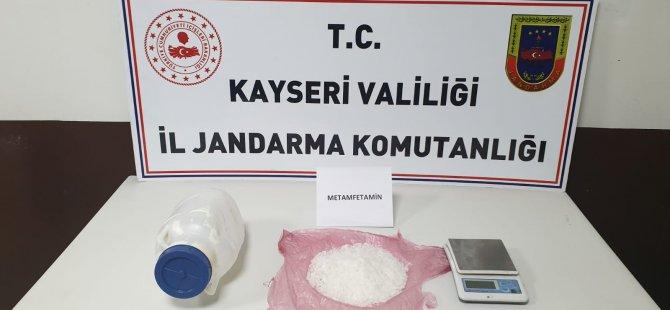 Ağrı'dan Kayseri'ye Peynir bidonunda uyuşturucu
