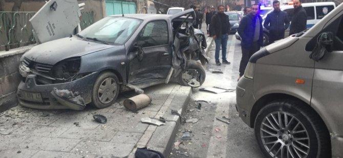 2020'nin ilk kazası Erciyes bulvarında 3 yaralı