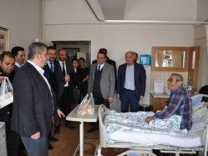 Başkan Özkan Altun'dan Hasta Ziyareti