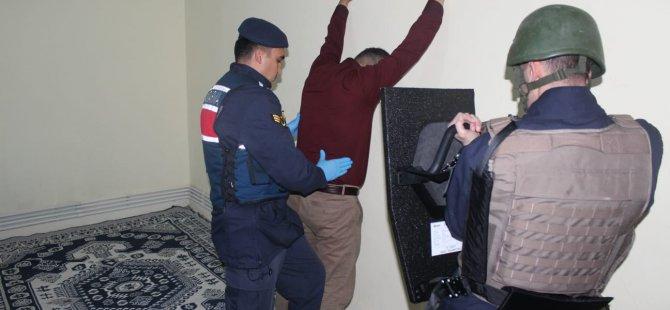 Kocasinan'da El-Nusra terör örgütü üyesi 3 kişi yakalandı