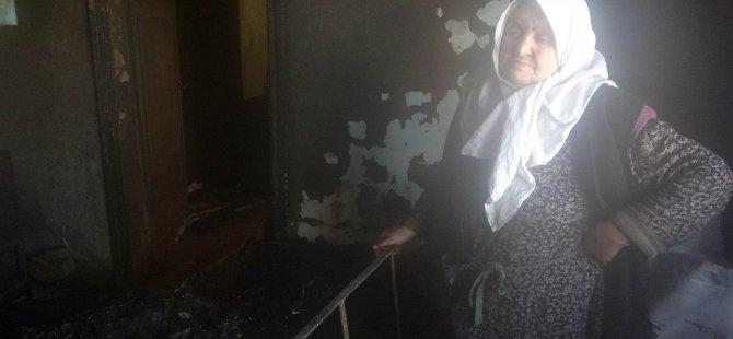 Evi yanan yaşlı teyze hayırseverlerden yardım eli uzatılmasını bekliyor