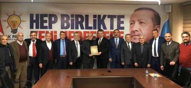 """Ak Parti İl Başkanı Çopuroğlu,""""gönül zirvesi"""" yaptı"""