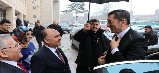 Erciyes Anadolu Holding'e çok teşekkür ediyorum