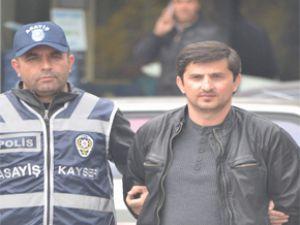 Kayseri'de avukat'ın bürosunu soyamaya kalkan gözcü enselendi
