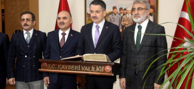 Bakan Pakdemirli ithal saman iddialarına Kayseri'den yanıt verdi