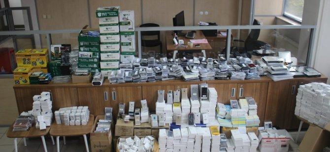Kayseri'de piyasa değeri 800 bin tl olan kaçak cep telefonu ele geçirildi