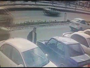 Hürriyet'te Otomobilden cep telefonu çalan hırsız adliyeye sevk edildi