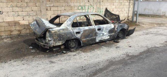 Gazi Mahallesi'nde park halindeki araç kundaklandı