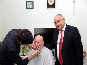 Yahyalı Belediyesi yaşlılara sakal tıraşı hizmeti vermeye başladı