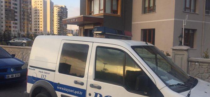 Kocasinan Yakut mahallesinde bina görevlisi ölü bulundu