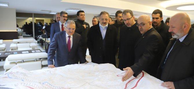 Bakan Kasapoğlu Erciyes'e çıktı