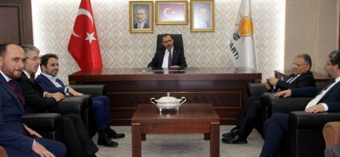 Gençlik ve Spor Bakanı Kasapoğlu Ak Parti teşkilatını ziyaret etti
