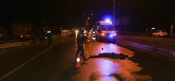 Talas'ta vicdansız sürücü Otomobille üniversite öğrencisine çarptı kaçtı