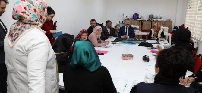 Palancıoğlu Şirintepe'de kadın kursiyerlerle bir araya geldi