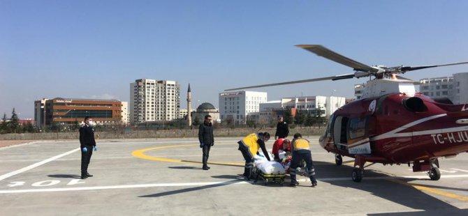 Pınarbaşı'da ALS hastası adam hava ambulansı ile hastaneye getirildi