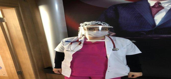 Yahyalı'da Öğretmenler 3D yazıcı ile doktorlara yüz siperliği yaptı
