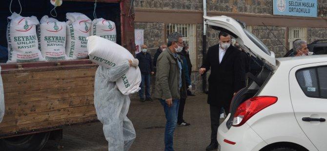 Kayseri'de 9 tır yardım ihtiyaç sahiplerine dağıtılmaya başlandı