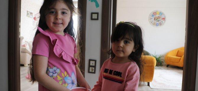 Kayseri'de yaşları 3 ve 5 olan 2 kız kardeş, biriktirdikleri 188 TL'yi bağışladı