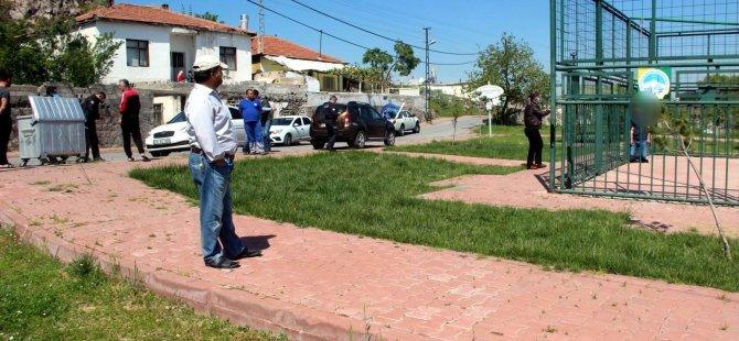 Battalgazi'de basketbol sahasına kendini asarak intihar etti