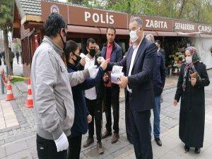Gelecek Partisi Kayseri'de ücretsiz 10 bin maske dağıttı