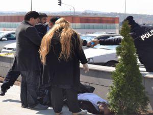 KAYSERİ'DE OĞLUNU YGS'YE BIRAKTI KALP KRİZİNDEN HAYATINI KAYBETTİ