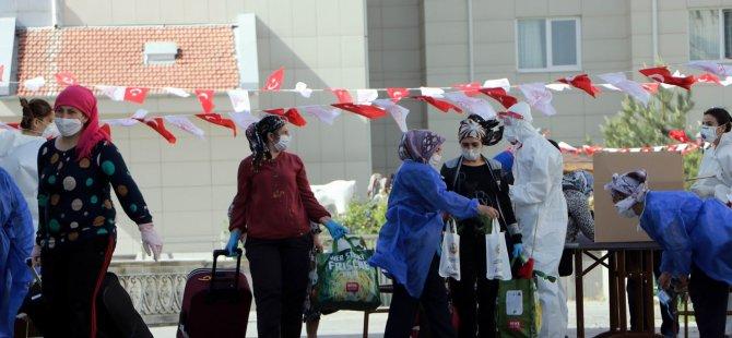 Almanya'dan Kayseri'ye gelen 157 kişinin karantina süresi doldu taburcu oldu