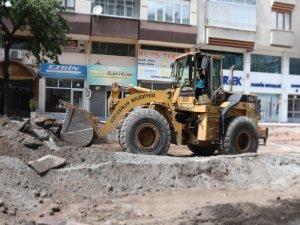 Kocasinan Belediyesi'nin Sahabiye'de alt ve üst yapı ile kaldırım çalışmalarına devam ediyor